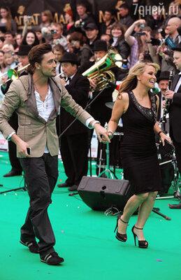 Дима Билан с еще одной зарубежной звездой церемонии – певицей Анастэйшей