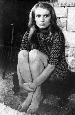 Мари-Кристин в фильме «Семейство Гроссфельдер», 1974 г.