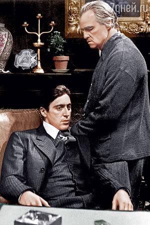 Аль Пачино и Марлон Брандо в фильме «Крестный отец». 1972 г.