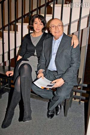 Михаил Жванецкий с женой Натальей отмечают День театра