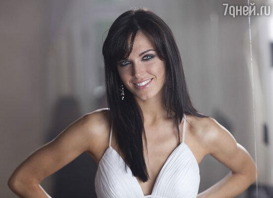 Начинающая актриса и обладательница титула «Мисс Россия 2010», сыграла роль коварной разлучницы в новом клипе певицы Ольги Афанасьевой «Не по пути».