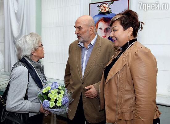 Алиса Фрейндлих сАлексеем Петренко и его супругой Азимой