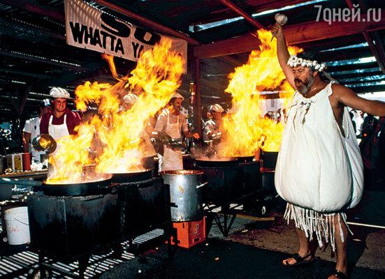Во время веселого чесночного уик-энда в американском городе Гилрое можно не только отведать немало вкусных яств, но и украсить себя ожерельем из чеснока