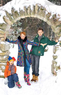 Жанна Эппле с сыновьями — Потапом и Ефимом