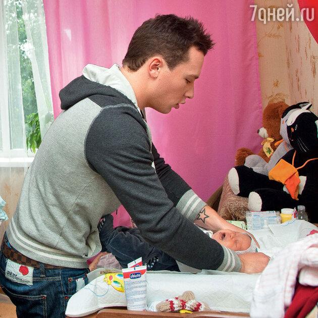 Максим Скрябин с дочерью