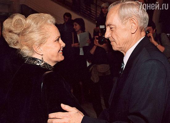 Быстрицкая и Лавров смогли забыть прошлые обиды. Церемония вручения премии «Кумир». 2002 год