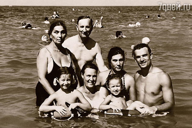 Евгений Урбанский со своей семьей
