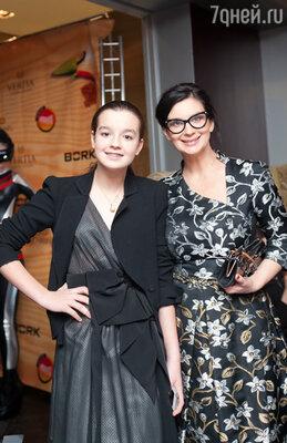 Екатерина Стриженова с дочкой Сашей