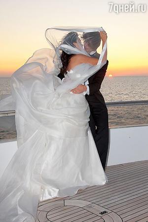 Бракосочетание Анастасии Заворотнюк и Петра Чернышева проходило на побережье Крыма. 2008 год
