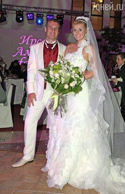 На свадьбе - с мужем Алексеем Нусиновым