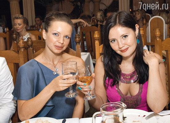 Алиса Гребенщикова и Екатерина Двигубская на закрытой вечеринке съемочной группы фильма «Москва, я люблю тебя!»