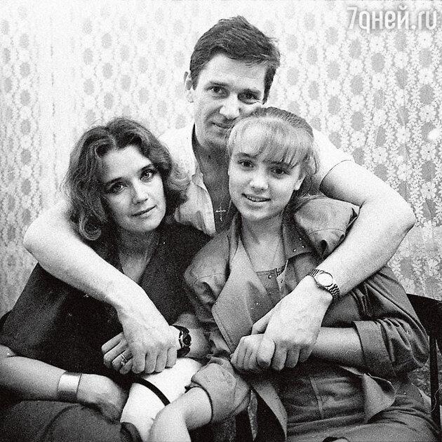 Ирина Алферова, Александр Абдулов и Ксения Алферова