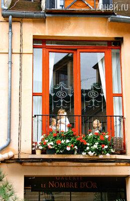 Маленькие жители квартала Ля Жеоль, где сосредоточены все антикварные лавки и аукционы