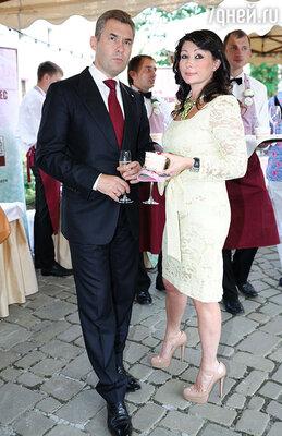 Павел Астахов с женой