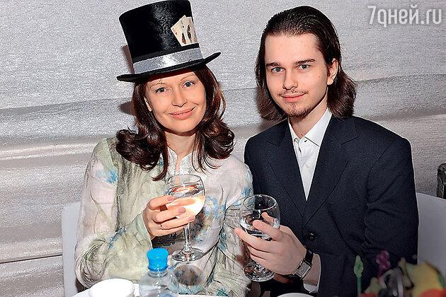 Ирина Ливанова с сыном Андреем