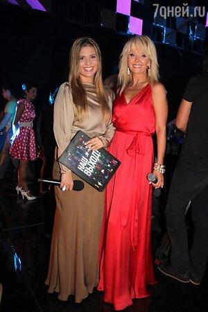 Валерия с дочерью Анной Шульгиной на съемках программы  «Наш выход». 2013 год