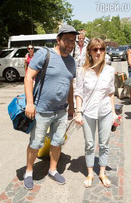 Александр Котт с супругой - актрисой Анной Цукановой