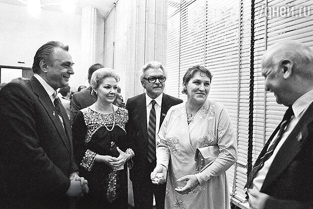 Евгений Матвеев, Ирина Скобцева, Сергей Бондарчук и Нонна Мордюкова на XII ММКФ. 1981 г.