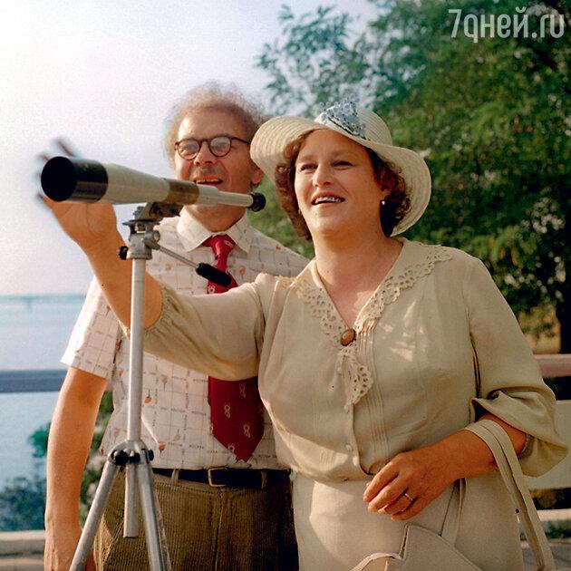 Нонна Мордюкова и Индрей Петров в фильме «Родня». 1981 г.