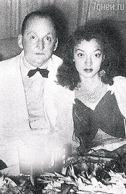 «Когда они познакомились в Шанхае, маме было всего 17 лет. А у папы был имидж Дон Жуана». Александр Вертинский с невестой Лидией Циргвавой. 1941 год