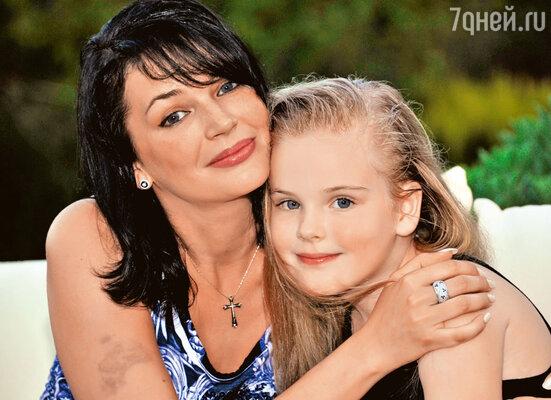 Юлия Абдулова и ее дочь Женя