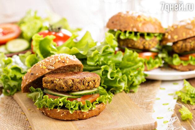 Бургеры с чечевицей и картофелем: рецепт для здорового обеда