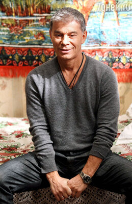 Олег Газманов на съемках проекта «Люди Хэ»