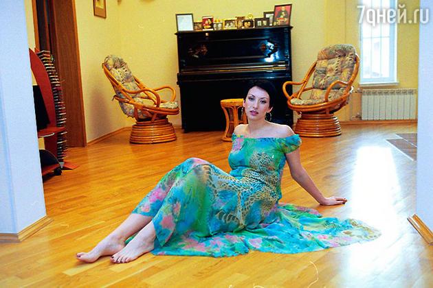 Летнее платье «Блюмарин», купленное мужем в прошлом году, Алика называет одним из самых любимых и пока не собирается с ним расставаться