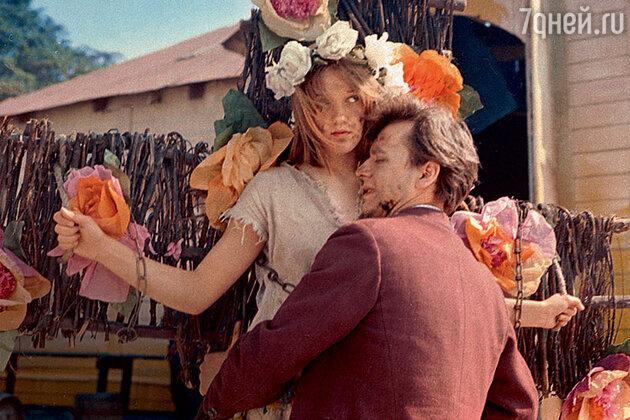 Елена Проклова с Олегом Табаковым в фильме «Гори, гори, моя звезда». 1969 г.