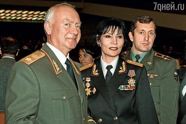 Министр обороны РФ в 1996—1997 годах Игорь Родионов, Джуна