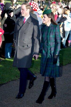 Принц Уильям и Кейт Миддлтон во время посещения рождественской церковной службы 2013
