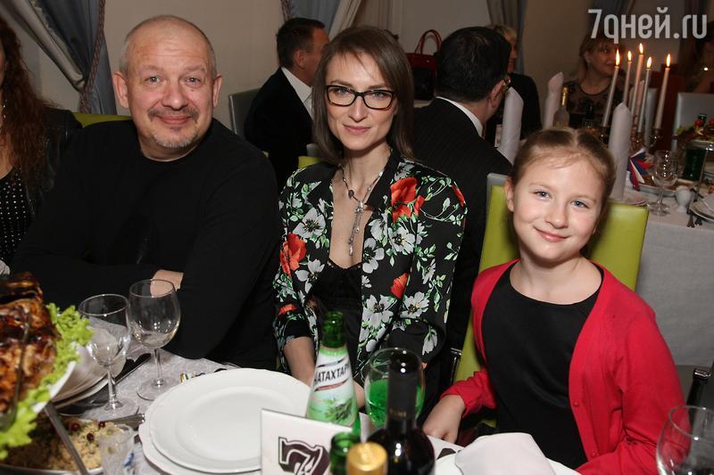 Мать Ксении Собчак призналась, что любит внука, больше чем дочь