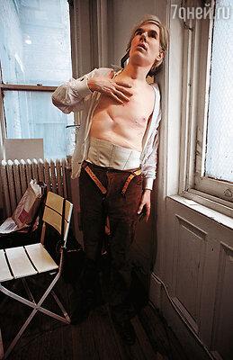Выйдя из больницы, Уорхол изменился до неузнаваемости. При упоминании имени Соланас он начинал мелко дрожать