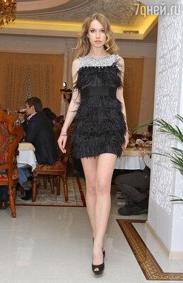 Показ вечерних платьев «Jovani»