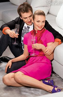 Супруги-актеры, случается, ревнуют друг друга к профессии. Мне это чувство не знакомо. Мы же оба работаем на благо нашей семьи