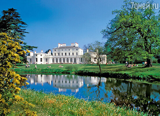Ни одна из королевских резиденций позакону не принадлежит Елизавете II...
