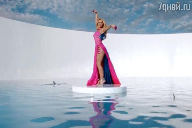 Бритни Спирс, Work B**ch клип, 2013