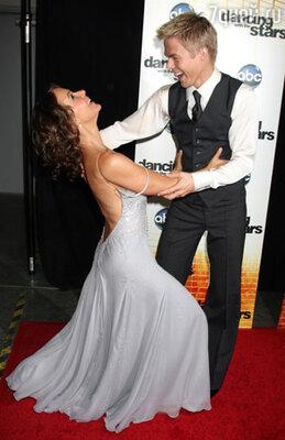 Дженнифер Грей — победительница американской версии телешоу «Танцы со звездами». Ноябрь 2010 г