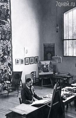 Юридический факультет Петербургского университета, учеба у Репина, ранняя слава... Билибин был одним из первых в «Мире искусств»