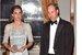 Герцогиня Кейт с супругом на балу в посольстве Великобритании в Париже