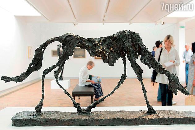 Скульптура работы Альберто Джакометти
