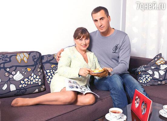 За Юрия Андреева Роза вышла замуж в конце прошлого года
