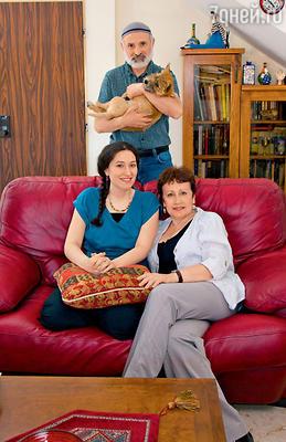 С дочерью Евой имужем Борисом дома в Иерусалиме