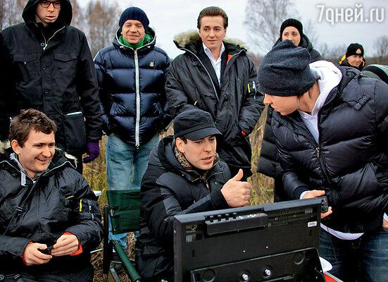 ...а вот в новелле «Моей любимой» Дмитрий занял уже режиссерское кресло, а главную роль сыграл Сергей Безруков