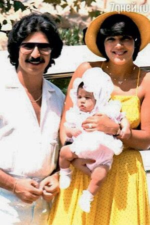 Роберт Кардашьян и Крис Хоутон с дочерью Кортни