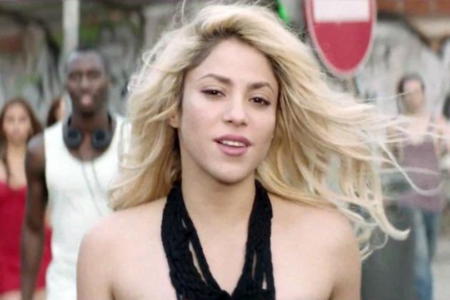 Шакира в клипе на композицию Dare