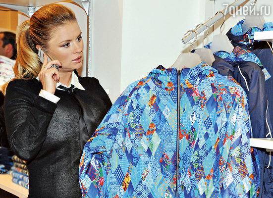 Анна Семенович в сочном флагманском магазине «BOSCO»