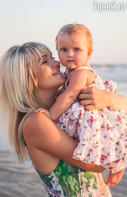 Виктория Макарская с дочерью Машей