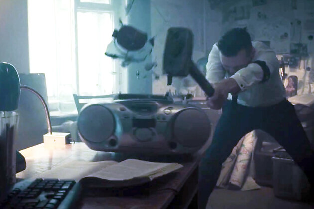 Клип группы «Сплин» на песню «Помолчим немного»