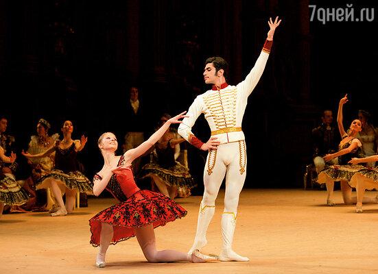 С моим педагогом Николаем Цискаридзе в балете «Пахита»
